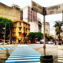 Foto clicada no cruzamento das Avenidas Ipiranga e São João por @rina.ricci. Via #saopaulowalk